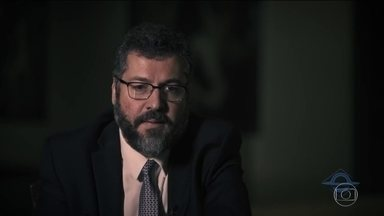 Ministro Ernesto Araújo diz que fascismo e nazismo eram de esquerda e gera polêmica - Historiadores no Brasil e no exterior criticaram declaração do ministro das Relações Exteriores, Ernesto Araújo.