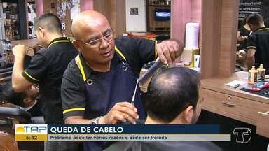 Queda de cabelo: Problema tem várias razões, mas pode ser tratado - Muitas pessoas entram em desespero quando percebem o problema. Estresse, ansiedade e tratamentos capilares com produtos químicos são algumas das razões.