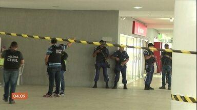 Vigilante e estudante são baleados durante assalto a banco dentro de universidade na PB - Outros 14 alunos ficaram feridos durante o crime na Universidade Estadual da Paraíba, em Campina Grande.