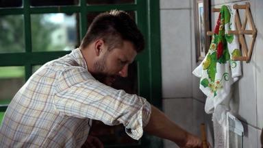 Verão: Feijoada De Frutos Do Mar - Rodrigo fecha a temporada de verão com a mãe, os irmãos e a cunhada em Laguna, onde relembram histórias e se deliciam com uma saborosa feijoada de frutos do mar.