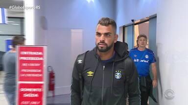 Após derrota no Chile, Grêmio desembarca em Porto Alegre - Assista ao vídeo.