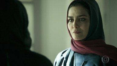 Dalila confronta Soraia sobre o amor impossível da mãe - Soraia aconselha a filha a desistir do casamento arranjado com Jamil