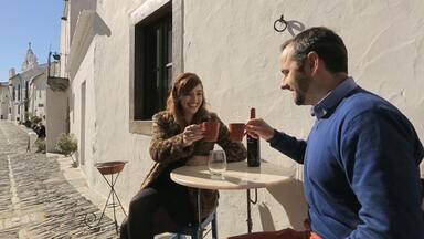 10 Atrações turísticas imperdíveis - Na 4ª temporada, Titi viaja por Portugal. E, na estreia, mostra dez atrações turísticas que você deve visitar.