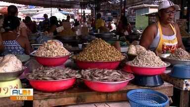 Vigilância Sanitária tira dúvidas sobre armazenamento de alimentos para a Semana Santa - Gerente da Vigilância Sanitária de Alagoas, Paulo Bezerra, diz como guardar esses alimentos.