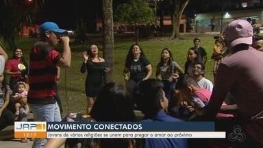 """Jovens promovem encontros evangélicos em praça no Centro de Macapá - """"Movimentos Conectados"""" têm o objetivo de levar a palavra de Deus para locais públicos."""