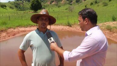 Secretaria de Meio Ambiente faz trabalho de preservação ambiental em Valadares - O intuito do trabalho é incentivar produtores a cuidarem das nascente de rios, preservando o meio ambiente.