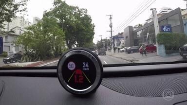 Acessórios fazem volante e banco vibrarem para evitar batida - Conheça sistemas anticolisão que podem deixar carros mais seguros.