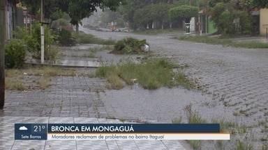 Moradores do bairro Itaguaí, em Mongaguá, reclamam de enchentes na região - Falta de manutenção, segundo eles, ocasiona mato alto e sujeira, que entope os bueiros e provoca enchentes.