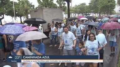 Caminhada Azul é promovida em prol do mês de conscientização do autismo em Santos - Abril é o mês de conscientização sobre o autismo e evento teve como objetivo acolher autistas e suas famílias, além de informar a população.