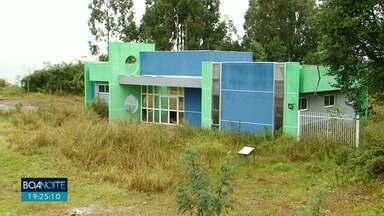 Unidade de Saúde está abandonada em Pinhão - A obra deveria ter sido entregue há dois anos.