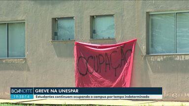 Estudantes e professores da Unespar decidem hoje em assembleia se voltam ou não as aulas - Estudantes ocupam o campus desde terça-feira passada.