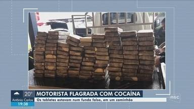 PRF apreende carga de cocaína na BR-101 em Joinville e mulher é presa - PRF apreende carga de cocaína na BR-101 em Joinville e mulher é presa