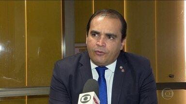 Relator da Previdência na CCJ da Câmara entrega parecer na terça (9) - Paulo Guedes negou que tenha pretensão de ser o articulador político da reforma: 'Não tenho um bom temperamento para fazer essa função', disse citando a sessão da CCJ.