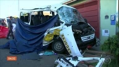 Motoristas envolvidos em acidente com ônibus escolar são condenados em Itapetininga (SP) - O caso aconteceu em novembro de 2017. O acidente causou a morte de uma estudante de nove anos e deixou outras 14 pessoas feridas, a maioria crianças.