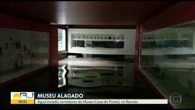 Museu Casa do Pontal passa pelo 6º alagamento em 8 anos - De acordo com Lucas Van de Beuque, diretor do museu, o local vem sofrendo inundações com as chuvas após inciarem construções no entorno do instituto.