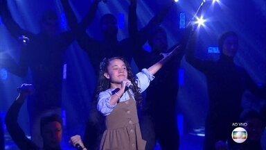"""Luiza Barbosacanta """"Como Nossos Pais"""" - Cantora faz parte do time Claudia Leitte"""