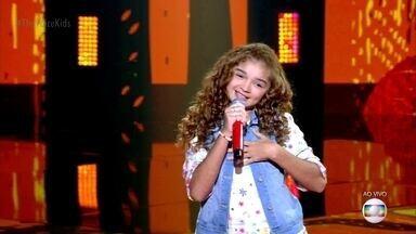 """Raylla Araújocanta """"Bate Coração"""" - Cantora faz parte do time Brown"""