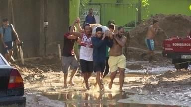"""""""Instinto é salvar o próximo"""", diz morador que tentou resgatar vítimas de desabamento - Fantástico conversa com sobreviventes e moradores, que se uniram para tentar resgatar as vítimas do desabamento de dois prédios na comunidade da Muzema, no Rio de Janeiro."""