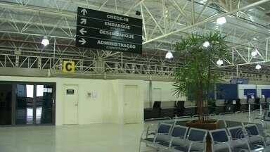 Latam cancela voos em Bauru após aeroporto suspender serviço de combate a incêndio - Decolagens da empresa foram canceladas de voos programados para o dia 14, 15 e 16 deste mês. A companhia Azul optou por manter todos os voos que saem do aeroporto Bauru-Arealva.