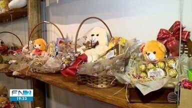 Aumenta o movimento nas floriculturas na semana da Páscoa - Artesãos também lucram mais nesse período.