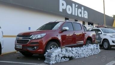 Motorista é preso ao ser flagrado com quase 250 quilos de maconha em rodovia - Veículo com placas de Ponta Porã (MS) foi abordado na base da Polícia Rodoviária de Bauru (SP).