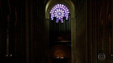 Incêndio que atingiu a Catedral de Notre Dame, em Paris, repercute no mundo todo - A tragédia foi noticiada pela imprensa internacional. No Vaticano, o Papa Francisco expressou compaixão a todos os franceses.