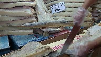 70% dos estabelecimentos de Porto Alegre fraudam o bacalhau - Procura pela peixe aumenta por causa da semana santa.