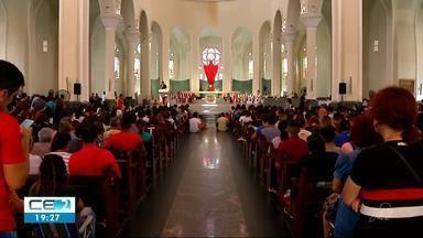 Vigília na Catedral Metropolitana de Fortaleza - Momento foi conduzido pelo Arcebispo da capital