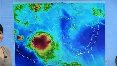 Confira a previsão do tempo para esta segunda-feira (22) em Goiás - Temperaturas devem ser amenas em todo o estado.