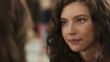Rita não conta a Carla quem é o pai de sua filha - A jovem diz que este é um segredo que prefere guardar