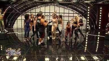 Veja a preparação de Solange Almeida para homenagear Jennifer Lopez no 'Show dos Famosos' - Cantora conquistou a pontuação mais alta da noite com sua performance