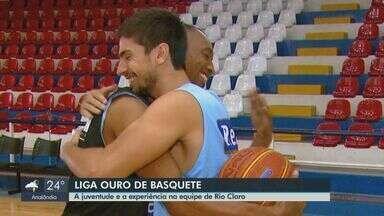 Encontro de gerações vira grande amizade na equipe de basquete de Rio Claro - Conheça a história de Gemadinha e Tatu.