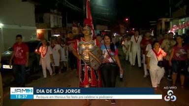Fieis acompanham procissão de São Jorge em Manaus - Caminhada aconteceu na Zona Oeste da capital.