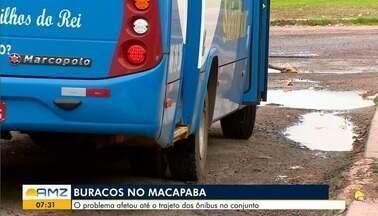 Moradores reclamam dos transtornos causados pela buraqueira nas vias do conjunto - Problema afetou até o trajeto dos ônibus.