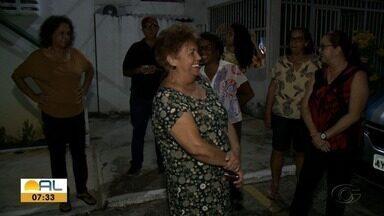 Moradores da Mangabeiras reclamam do descaso na distribuição de energia elétrica - Eles relatam que os problemas vem deixando prejuízos.