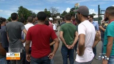 Motoristas de aplicativo protestam contra aumento no preço do etanol, em Goiânia - O aumento foi superior a 30%.