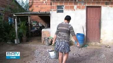 Comunidade rural de Vitória da Conquista enfrenta problemas causados pela falta de água - Os moradores do povoado de São Domingos II não contam com os serviços da Embasa e não têm água encanada nas casas.