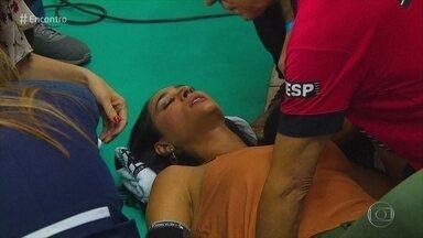 Dra. Ana Escobar dá dicas sobre para socorrer alguém que desmaiou - Nesta terça-feira, a imagem da ex-jogadora de vôlei desmaiando ao vivo chamou a atenção do público. Médica explica as possíveis causas para os desmaios e como agir no primeiro momento