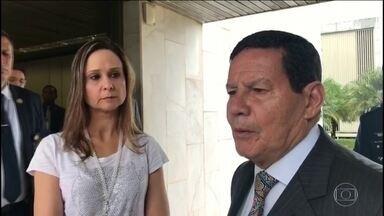 Governo brasileiro descarta intervenção militar na Venezuela - O Governo brasileiro reforçou que não haverá intervenção militar na Venezuela. O Governo concedeu asilo a 25 militares e liberou cerca de R$ 200 milhões para socorrer venezuelanos que passarem da fronteira brasileira.