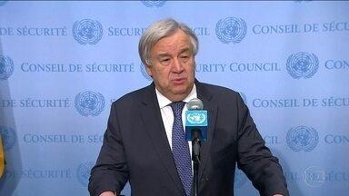 Comunidade internacional pede solução pacífica na Venezuela - O Secretário-Geral das Nações Unidas, Antonio Guterres, implorou para que os dois lados evitem violência na Venezuela. O Reino Unido disse que espera novas eleições e a volta da democracia no país.