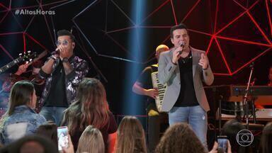 """Marcos e Belutti cantam """"Siga a seta"""" - Confira a apresentação"""