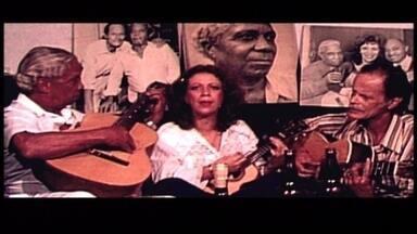 Beth Carvalho é homenageada com roda de Samba - A cantora é lembrada por mestres do Samba