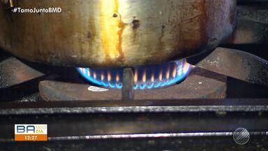 Botijão de gás deve ter aumento nas distribuidoras a partir de domingo - Para o consumidor, o reajuste pode chegar a R$2,00.