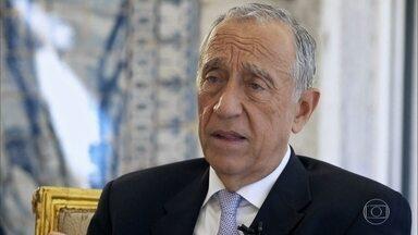 Marcelo Rebelo de Sousa afirma que ainda recebe crítica dos dois polos do país - Bial também questionou o Presidente sobre os momentos em que teve a sorte a seu favor