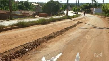 Motoristas reclamam de falta de infraestrutura na MA-006 - Segundo os condutores de veículos, quem passa pela rodovia afirma que o espaço está cheio de buracos.