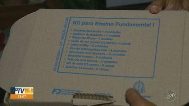 Alunos da rede estadual estão há 4 meses sem kit escolar - Problema começou antes das aulas começarem.