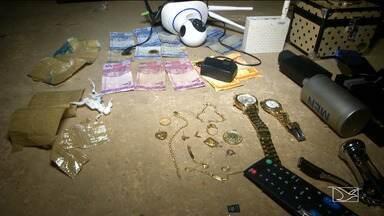 Aumenta número de assaltos a mão armada em Balsas - Quatro casas foram invadidas por assaltantes. No final da tarde de quarta-feira (8), a Polícia Militar encontrou objetos que foram roubados de uma casa no dia anterior.