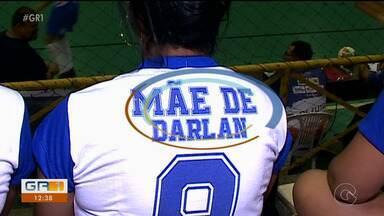 Mães torcem e incentivam filhos nos jogos da 23ª Copa TV Grande Rio de Futsal - Famílias se organizaram com uniformes pára acompanhar desempenho dos meninos nos jogos.