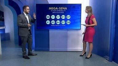 Mega-Sena acumula e pode pagar mais de R$ 270 milhões neste sábado - Ninguém acertou as seis dezenas da Mega-Sena, realizado na quarta-feira em São Paulo. O próximo concurso será no sábado e o prêmio está acumulado em R$ 275 milhões. As dezenas sorteadas foram 21 - 23 - 37 - 44 - 46 – 48.