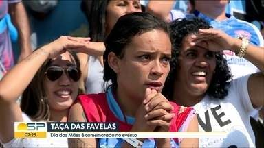 Dias das mães com muita torcida para os filhos na Taça das Favelas - Com o apoio das mães nas arquibancadas, garotada entrou em campo na fase decisiva da competição. O final de semana definiu a classificação de oito equipes para as quartas de final.
